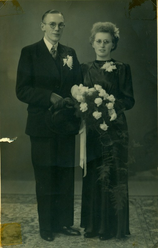 trouwfoto-maas-brandsema-1918-1986-en-jantje-beishuizen-1923-1988-kopie