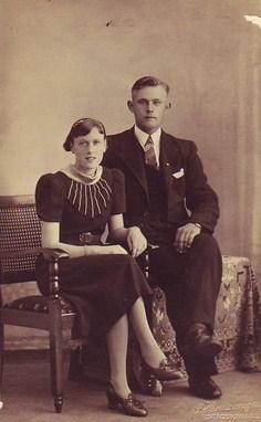 verlovingsfoto-jan-geert-kamst-en-nantina-brandsema-5-12-1940-kopie