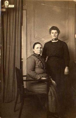 16-jantiena-kamst-1876-1956-en-aaltje-kamst-1884-1936-kopie