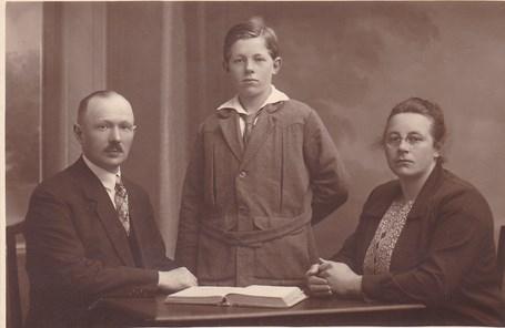 22-10-1927-jan-jongman-1885-1942-hindrik-1915-1975-margarethe-eline-hillechine-kram-1892-1980-kopie