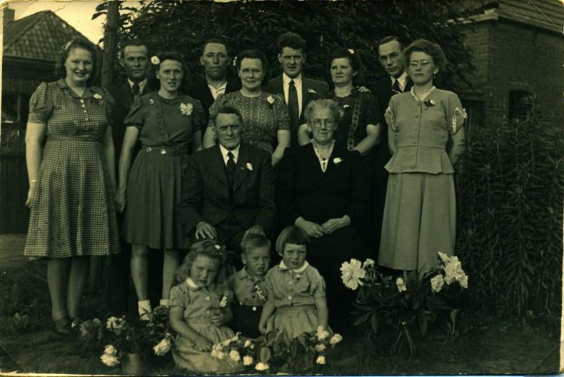 35-jarig-huwelijk-pieter-nanno-brandsema-en-aafje-van-norden-1948-kopie