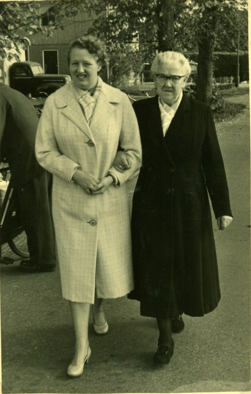 fennechiena-brandiena-brandsema-1928-2008-en-aafje-van-norden-1891-1969-kopie